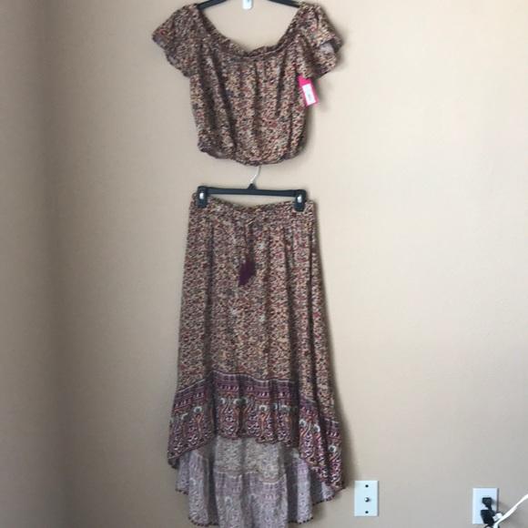 Xhilaration Dresses & Skirts - Xhilaration Crop Top & Asymmetrical Skirt Set